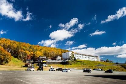 名峰岩手山のふもとに建つホテル