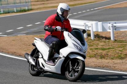 「自動二輪車」か「自転車」扱いか? 免許はあれど取り締まりが曖昧な「125cc未満」のバイクの不思議