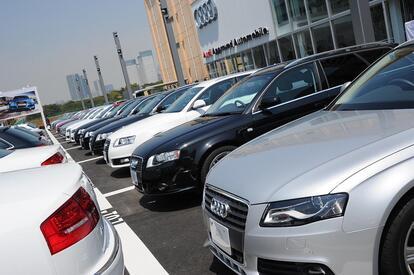 女性が中古車購入をためらってしまう理由