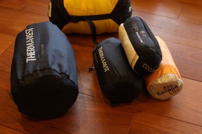 サーマレストのテントマット レビューのための装備