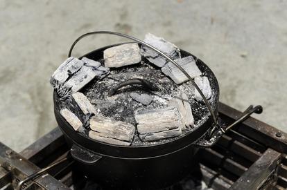 キャンプでの炭火の活用方法