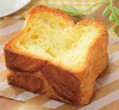 ローソン マチノパン「しみしみバターのはちみつトースト」