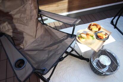 ベランビング用の椅子とロースターグリル