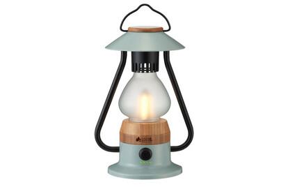 ボディに竹を使用した、アンティーク調の LEDランタン。自宅のインテリアとしても使える。