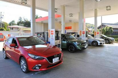 ガソリンスタンドで見かける不思議な行為