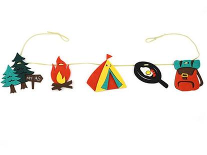 「フェルトガーランド Camp 21」価格:319円/サイズ:W70×D1×H9cm/サイトに飾るだけで雰囲気アップ!