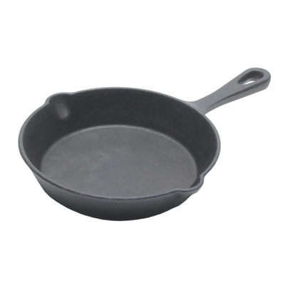 「スキレット M」価格:649円/サイズ:W31×D21×H4cm/直火・オーブン可、電子レンジ不可