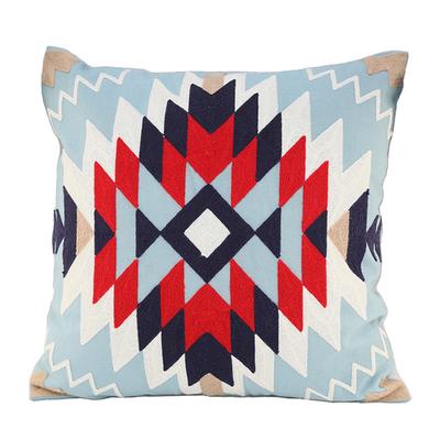 「刺繍クッションカバー Native」価格:1,078円/サイズ:W45×H45cm