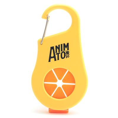 「ボトル&タオルホルダー イエロー」ペットボトルとタオルが一つにまとめられる便利なホルダー。