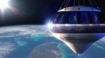 円盤型の気球に乗って宇宙で結婚式を挙げられるサービス