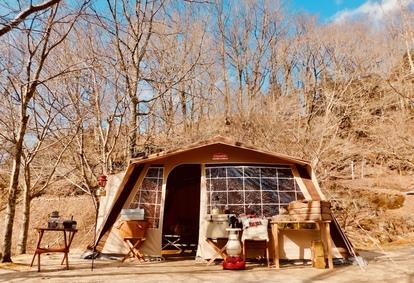 秋キャンプとモダンクラシカルなテント
