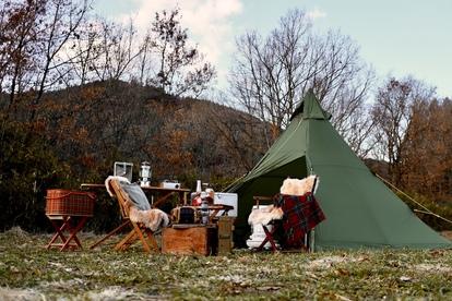 ストーブのある冬キャンプスタイル