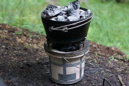 七輪と木炭