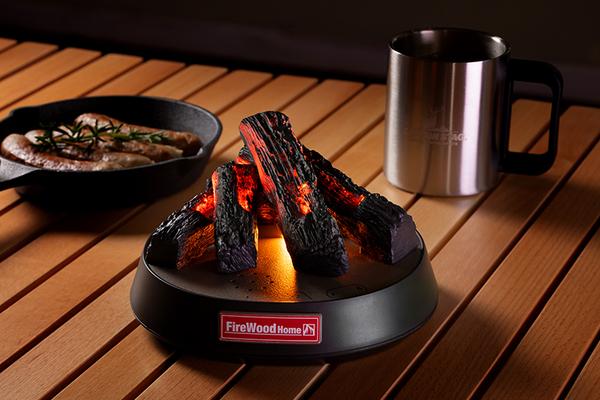 LEDの光と効果音で焚き火をリアルに再現する「FireWood Home」