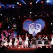 =LOVEがスペシャルな演出で魅せた4周年コンサート、10枚目シングルのリリースも決定(New!!)